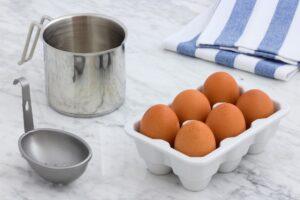 卵と調理器具